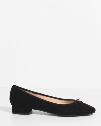 Балетки кожаные на каблуке Parfois