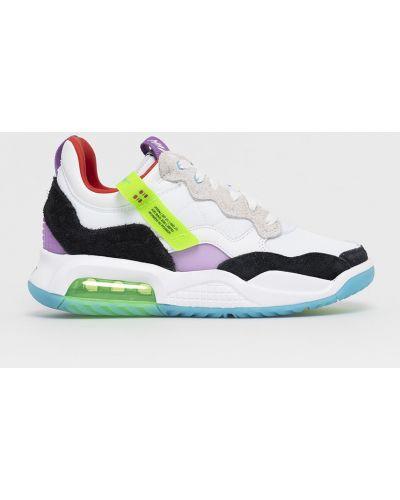 Białe sneakersy sznurowane Jordan