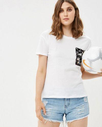 Белая футболка By Swan