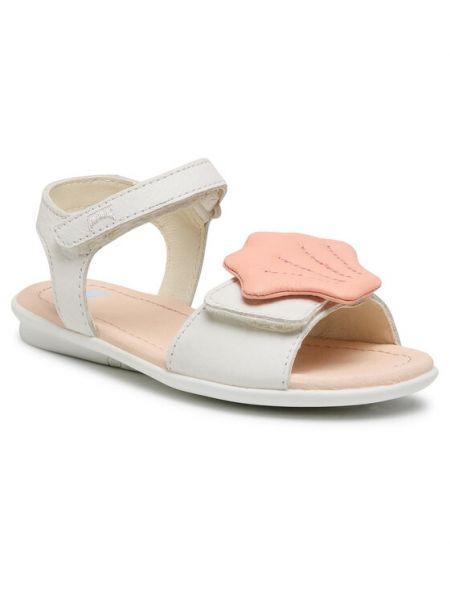 Białe sandały Camper
