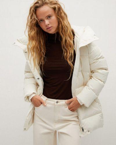 Белая зимняя куртка Mango