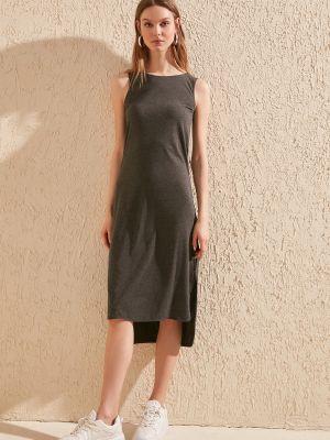 Sukienka midi bez rękawów Trendyol