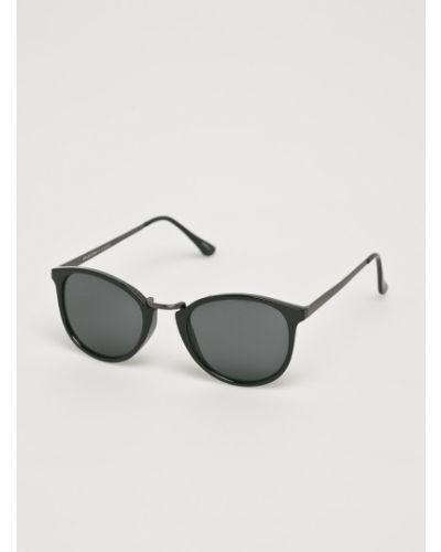 Солнцезащитные очки стеклянные черные Selected