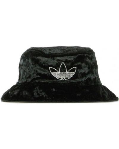 Czarny kapelusz z aksamitu Adidas