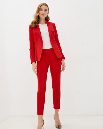 Костюмный красный брючный костюм Bezko