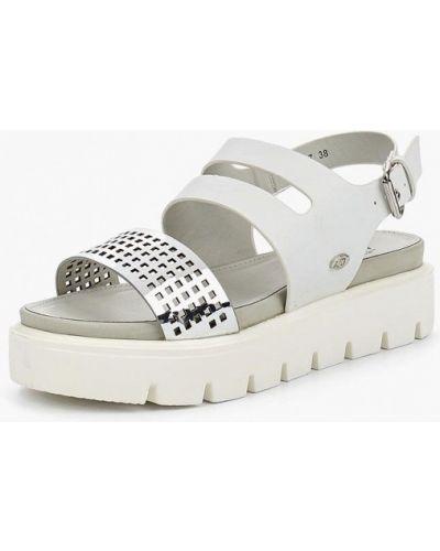 Белые сандалии Isteria