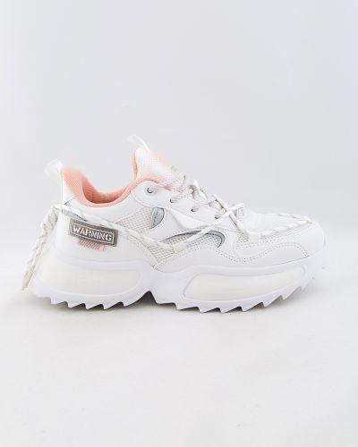 Белые весенние кроссовки Baas