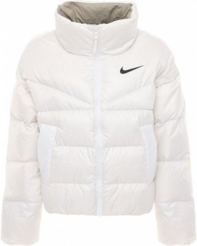 Пуховая белая водонепроницаемая куртка Nike