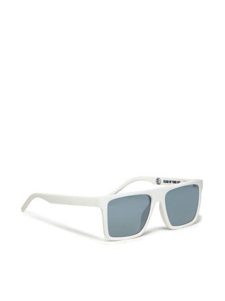 Białe okulary Boss