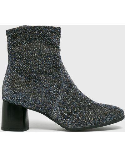 Ботинки на каблуке на каблуке синий Tamaris