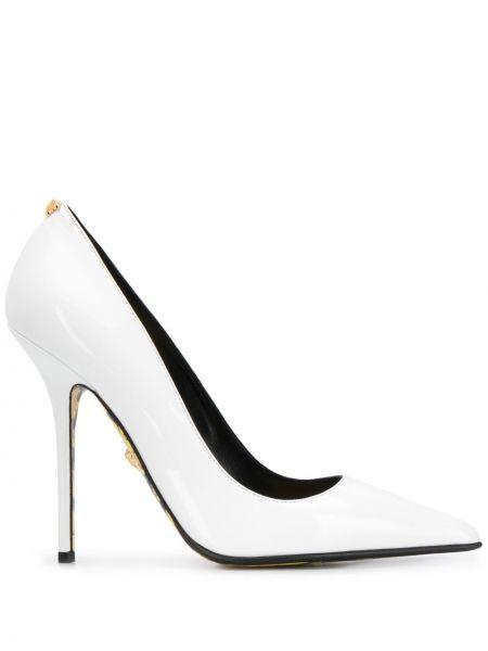 Лодочки на шпильке - белые Versace