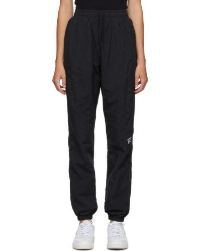 Черные нейлоновые спортивные брюки с вышивкой с манжетами Reebok Classics