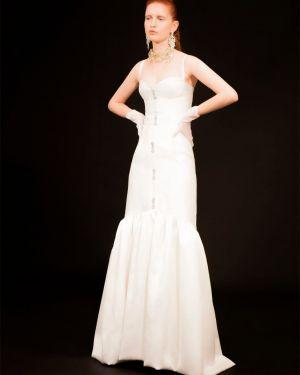 Biała sukienka bez rękawów srebrna Sandra Mansour