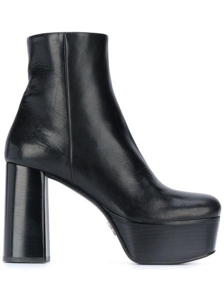 Czarny buty na platformie na platformie na pięcie okrągły Prada