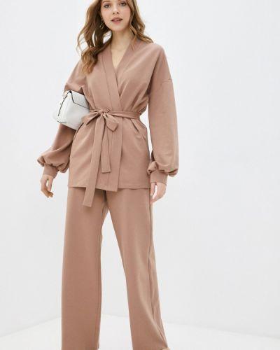 Костюмный коричневый брючный костюм Vivostyle