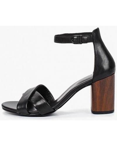Босоножки на каблуке черные Vagabond
