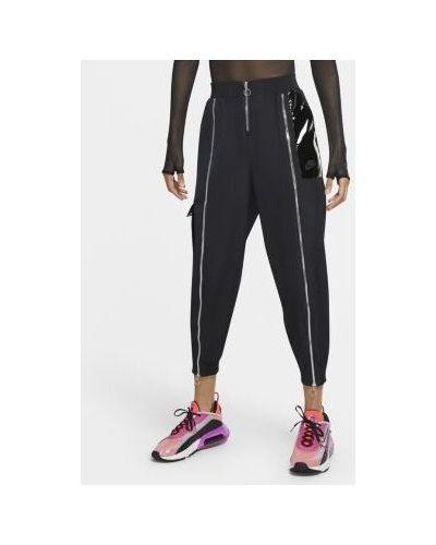 Повседневные брюки с карманами на молнии Nike