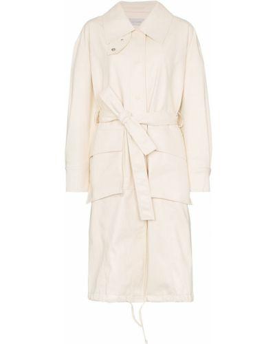 Белое пальто классическое с поясом Low Classic
