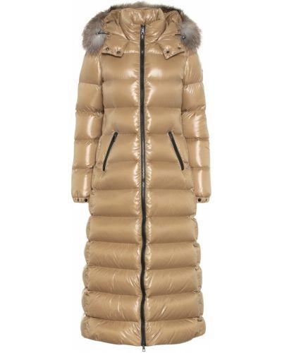 Зимнее пальто бежевое без воротника Moncler