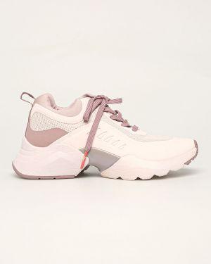 Розовые текстильные кроссовки Tamaris