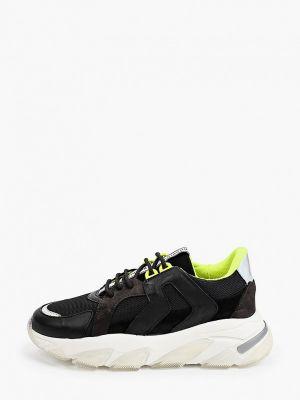 Черные весенние кроссовки Roobins