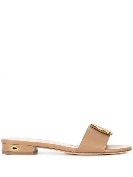 Открытые коричневые сандалии на каблуке с открытым носком Jennifer Chamandi