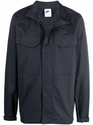 Черная куртка с вышивкой Nike