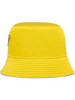 Żółty kapelusz Prada