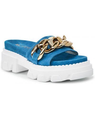 Niebieskie sandały zamszowe Carinii