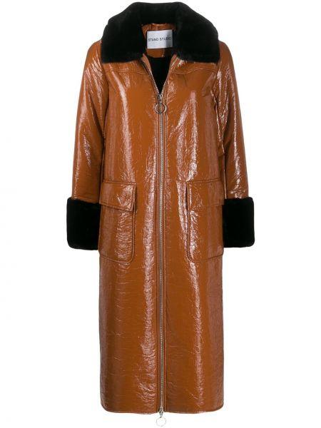 Черное пальто классическое с воротником Stand
