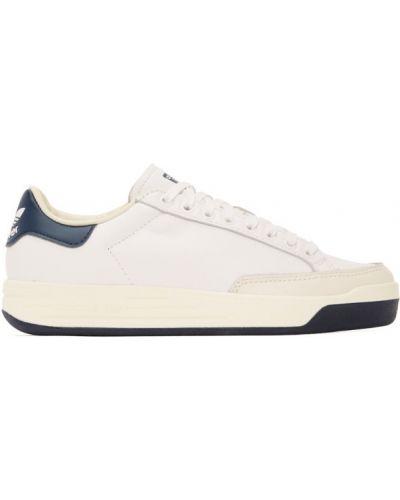 Biały sneakersy okrągły nos z kołnierzem wytłoczony Adidas Originals
