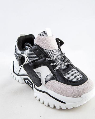 Черные ботинки летние Meitesi