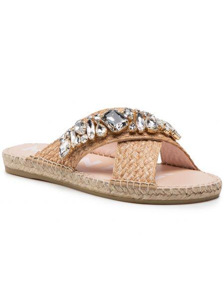 Beżowe sandały z paskiem Manebi