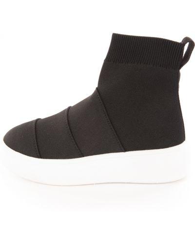 Czarne sneakersy na platformie Fessura