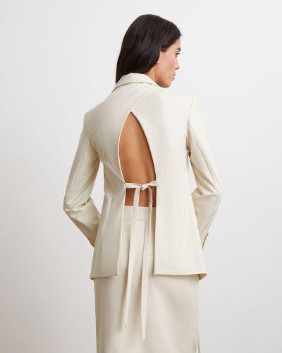 Молочный костюмный пиджак с поясом 12storeez