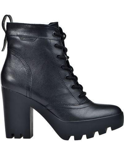 Ботинки на каблуке осенние кожаные Calvin Klein