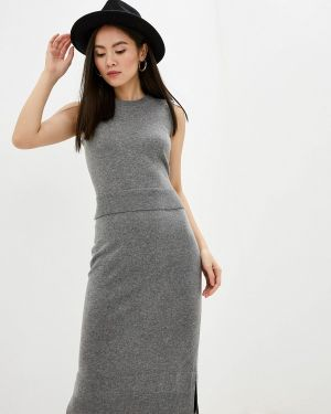 Платье серое вязаное Akris Punto