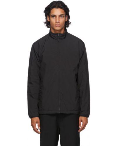 Satyna czarny pikowana kurtka z kieszeniami z mankietami Norse Projects
