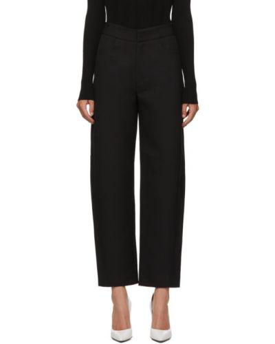 Spodni czarny przycięte spodnie z kieszeniami z krepy Toteme