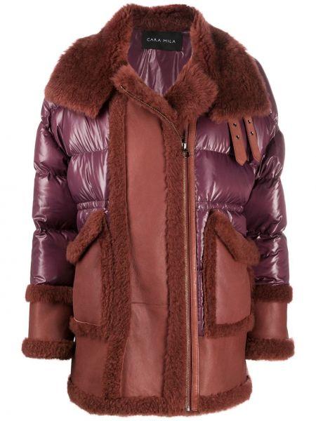 Красное пальто со вставками на молнии из овчины Cara Mila