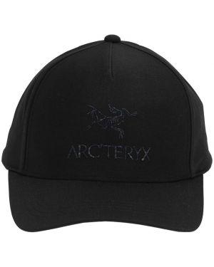 Czarny kapelusz z haftem Arcteryx
