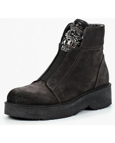 Ботинки на каблуке осенние осенние Ilvi
