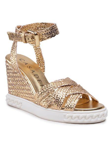 Złote sandały Casadei