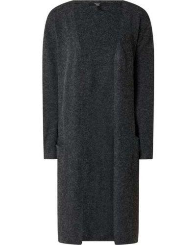 Czarny sweter bez zapięcia Vero Moda Curve