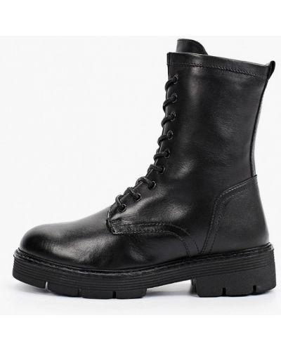 Черные высокие ботинки Marco Tozzi