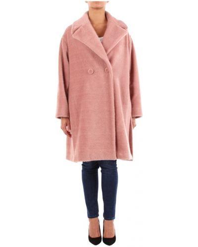 Różowy płaszcz Maesta