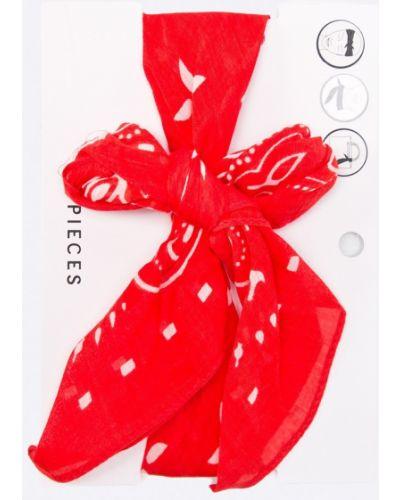 Красный шарф Pieces