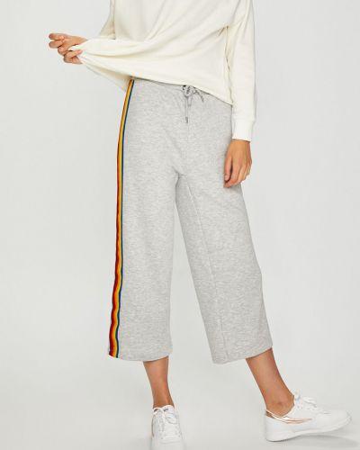 Свободные брюки серые с лампасами Noisy May