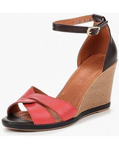 Босоножки на каблуке Dino Ricci