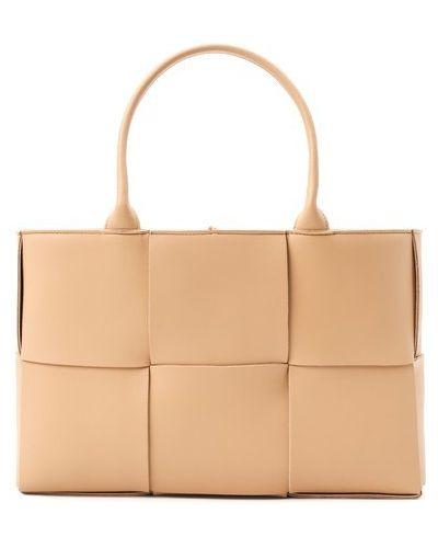 Кожаная бежевая сумка шоппер Bottega Veneta